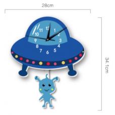 Часы настенные инопланетянин